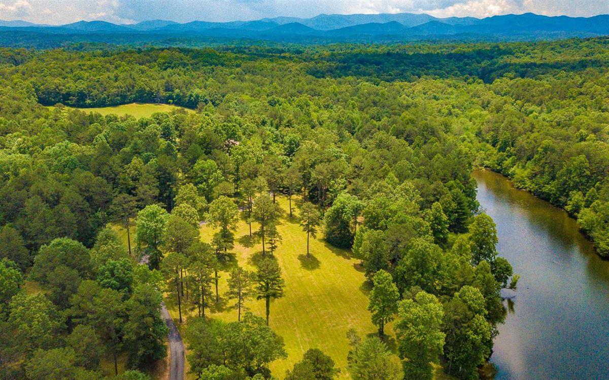 Luxury real estate 200 acre mountain estate
