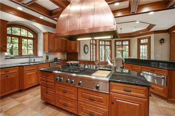 The Crown Jewel of Lake Windward luxury real estate