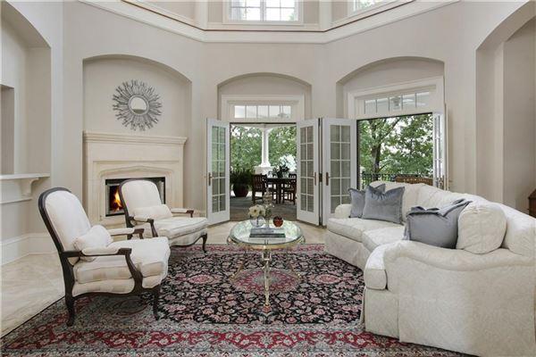 The Crown Jewel of Lake Windward luxury properties