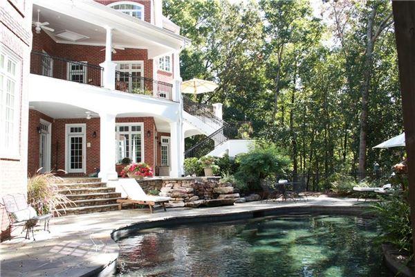 Luxury real estate The Crown Jewel of Lake Windward