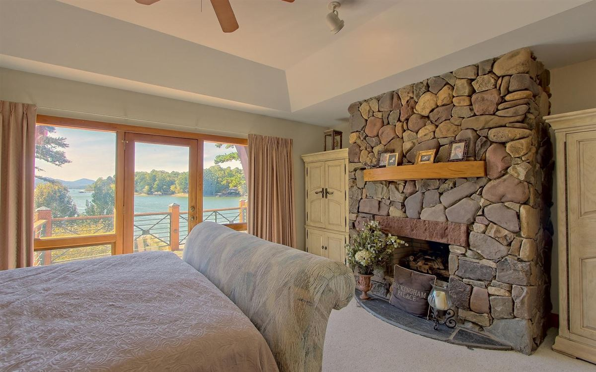 incredible lake front property in hayesville luxury homes