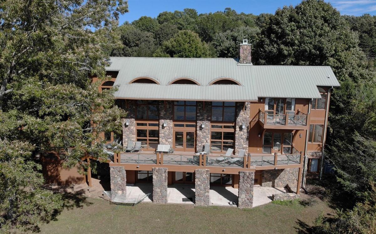 Luxury properties incredible lake front property in hayesville