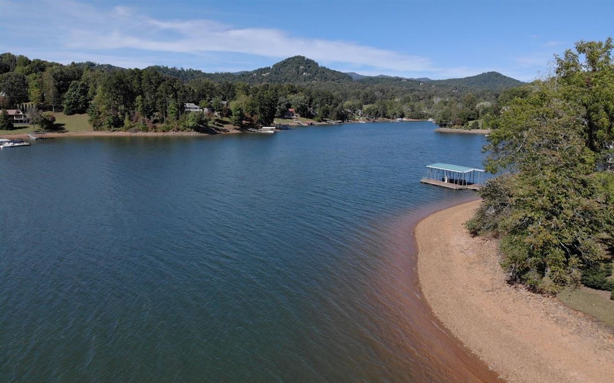 incredible lake front property in hayesville luxury properties