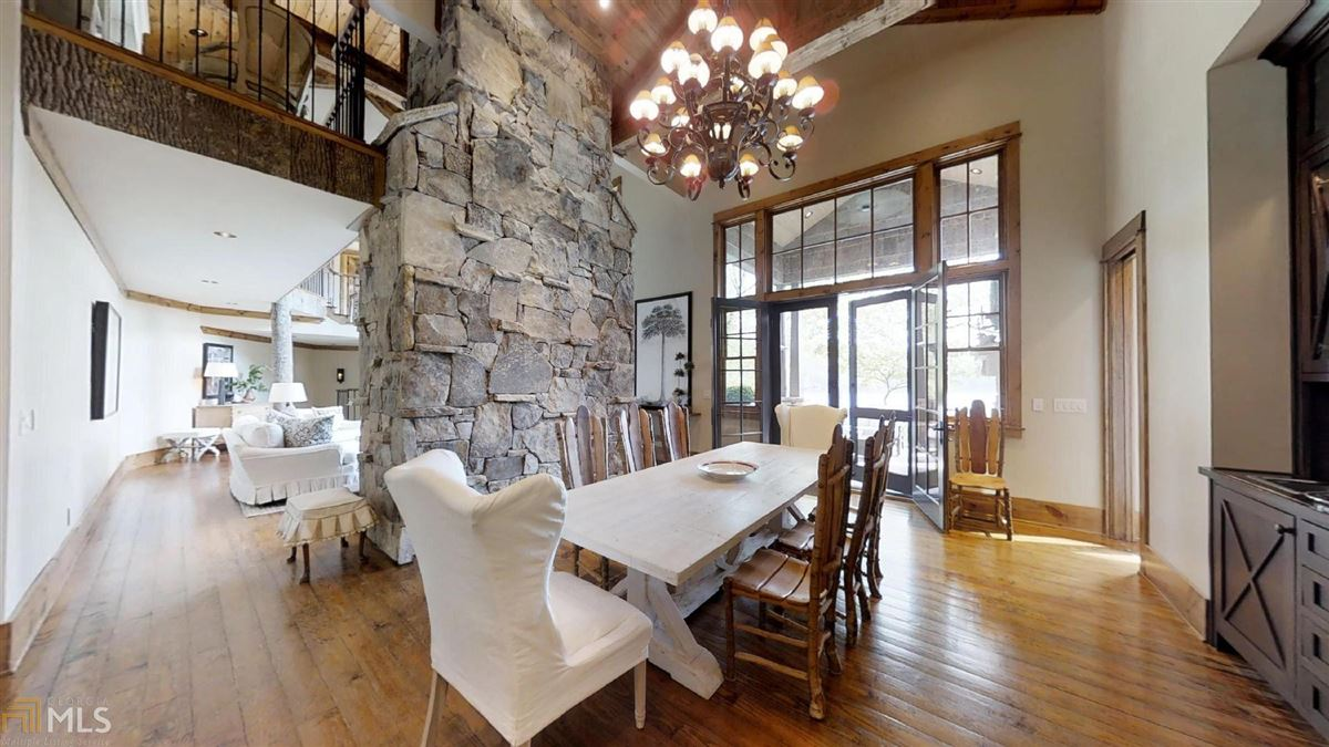 WinsHill luxury properties