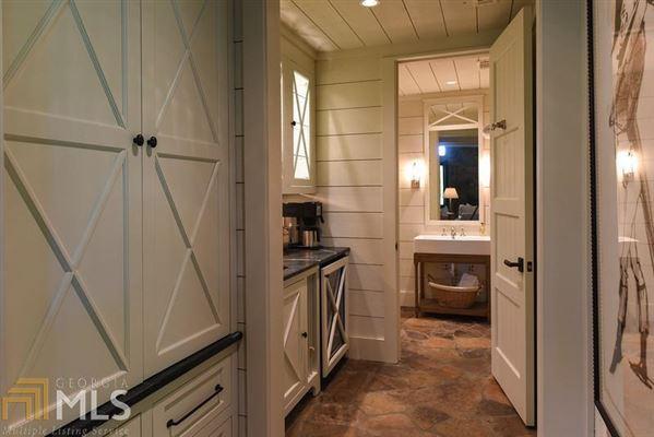 Luxury homes WinsHill
