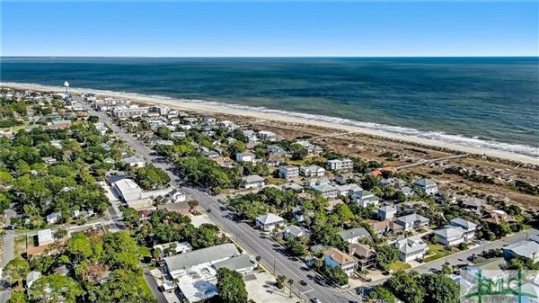 Luxury properties full-sized parcel from Butler to the beach