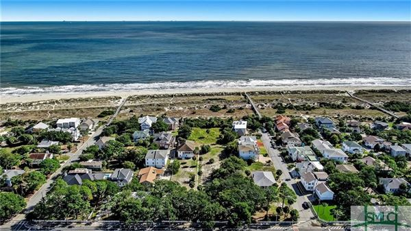 Luxury homes in full-sized parcel from Butler to the beach