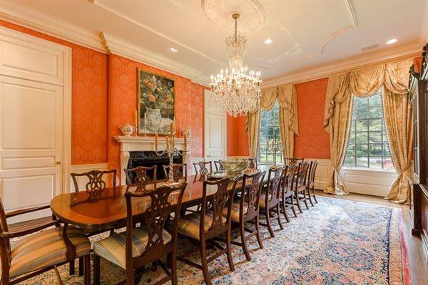 Mansions dramatic 9-plus acre estate