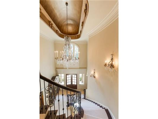 private gated estate on over three acres luxury properties