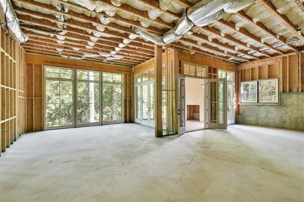 Stunning New Construction in Historic Brookhaven luxury properties