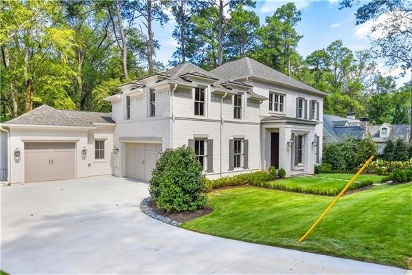 Mansions Stunning New Construction in Historic Brookhaven