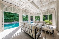 Luxury real estate outstanding southern estate