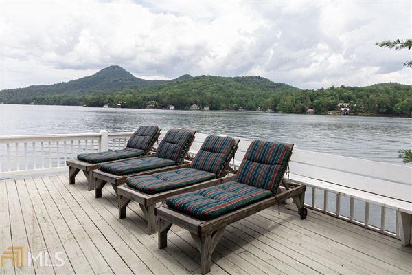 custom designed Lake Burton house luxury homes
