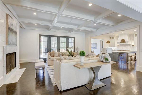 Luxury homes Magnificent new construction