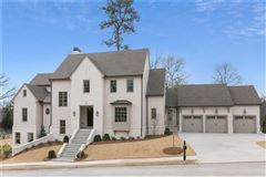 Mansions in Magnificent new construction