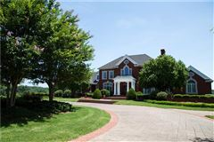 Beautiful estate home on nearly 800 acres luxury homes