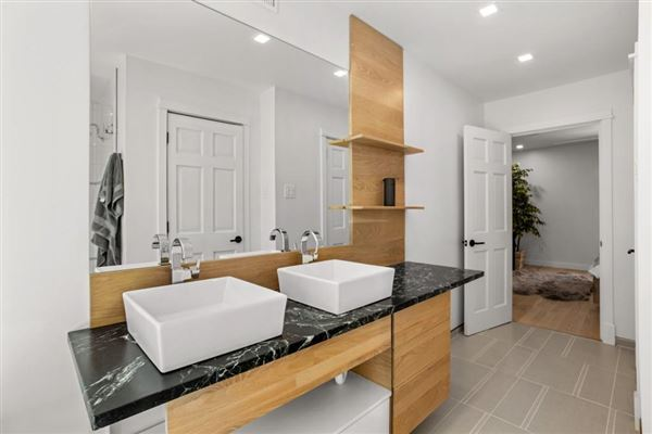 Luxury real estate Modern living in the middle of Ansley Park