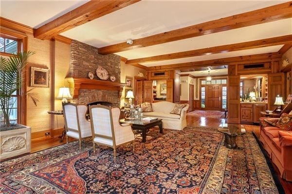 one-of-a-kind property on prestigious cul-de-sac luxury properties