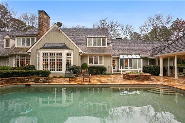 one-of-a-kind property on prestigious cul-de-sac luxury homes