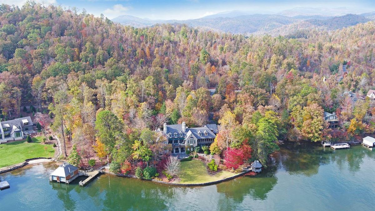 Grand Stone Manor on Lake Burton luxury homes