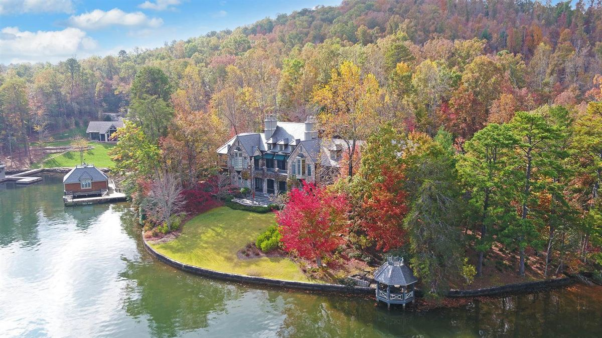 Grand Stone Manor on Lake Burton luxury properties