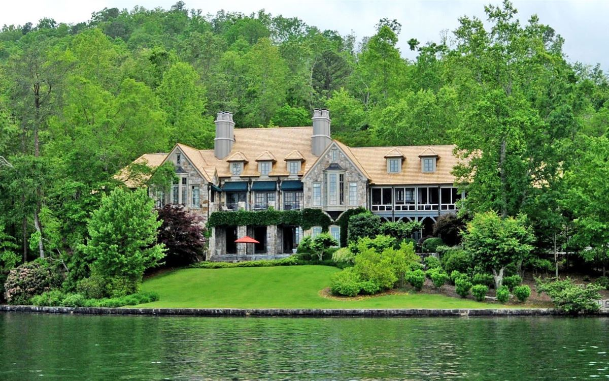Grand Stone Manor on Lake Burton mansions
