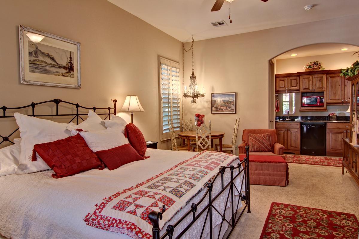 Luxury homes 2965 Mesilla Acres Rd.