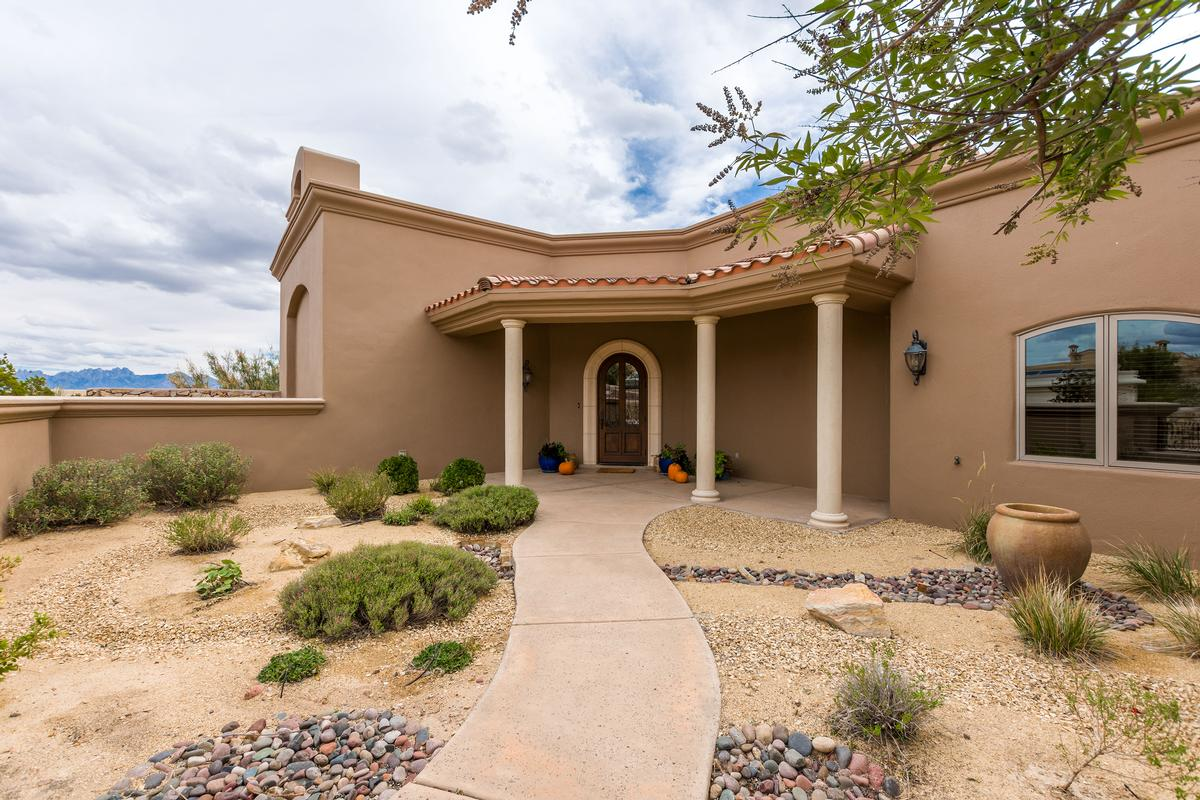 custom home and horse property on over 8 acres mansions