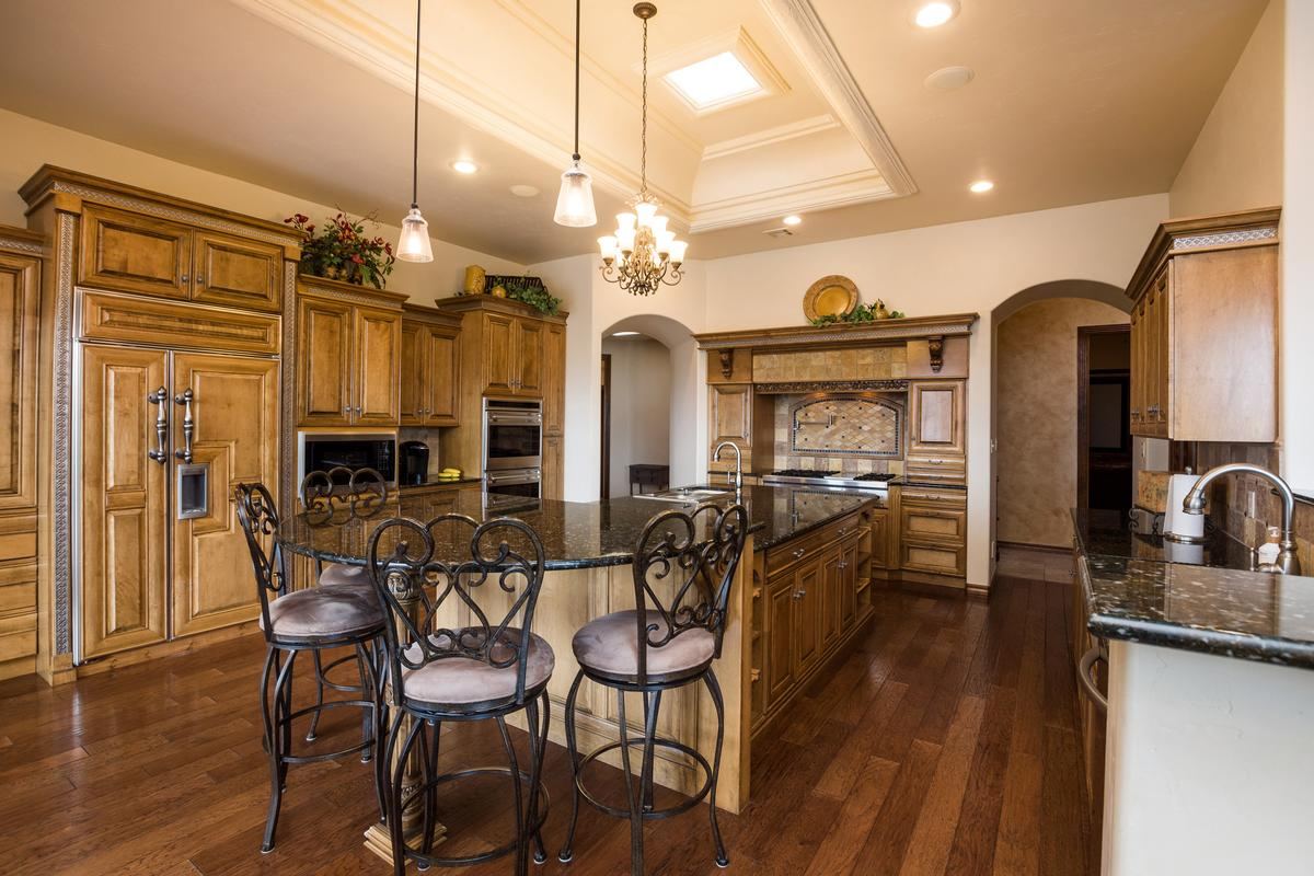 Mansions custom home and horse property on over 8 acres