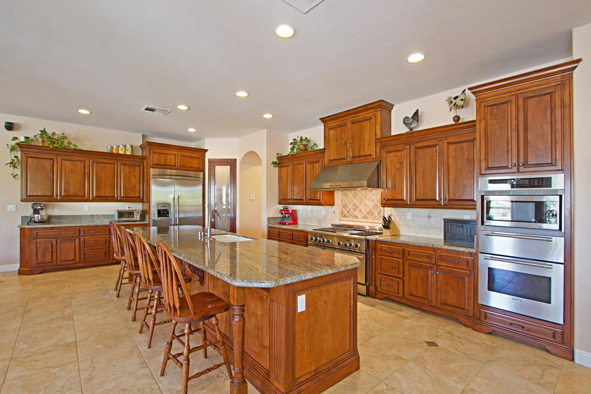 Luxury homes in Tuscany Style home in temecula