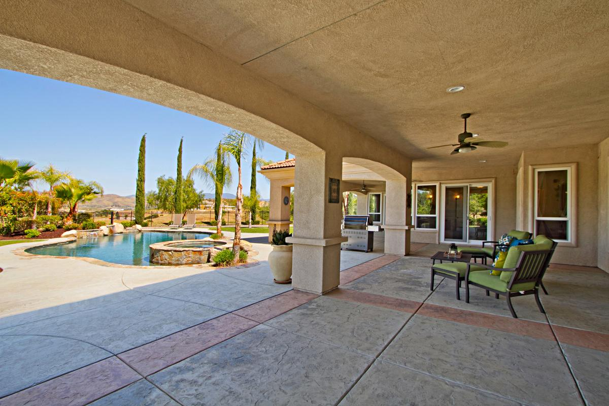 Tuscany Style home in temecula luxury homes