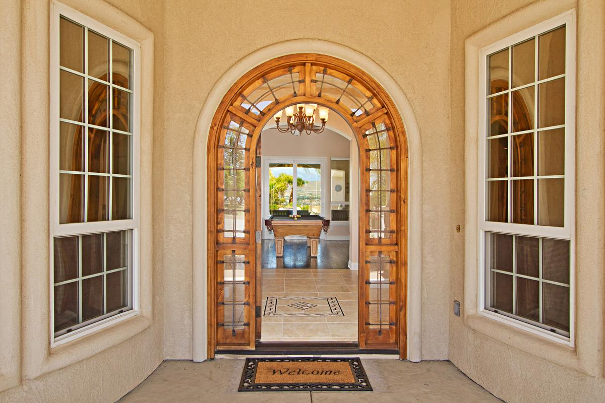 Luxury real estate Tuscany Style home in temecula