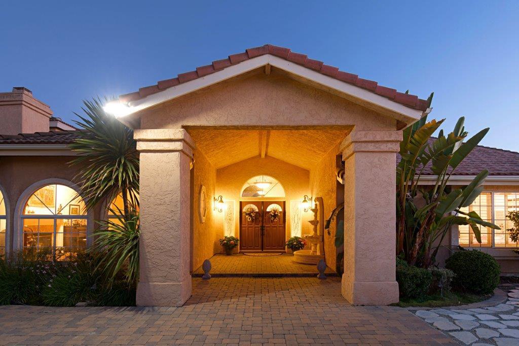 Luxury real estate 43395 Manzano Dr.