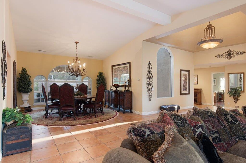 Luxury properties 43395 Manzano Dr.