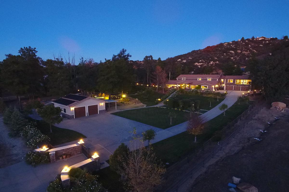 Luxury homes gated executive custom view estate home