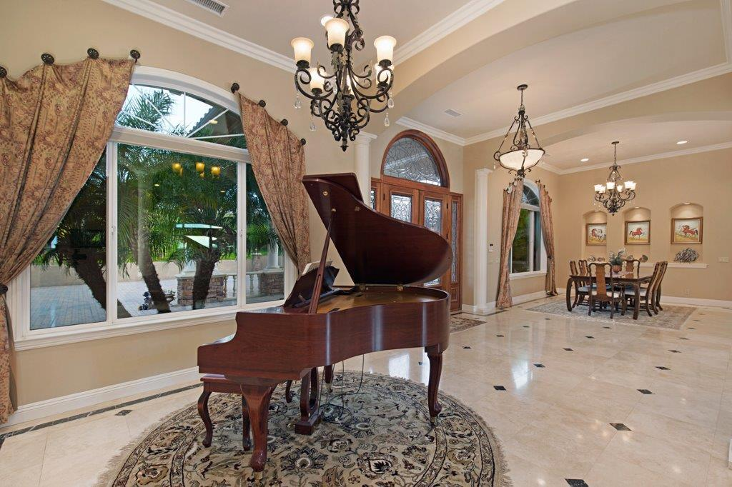 Santiago Estate Home luxury properties