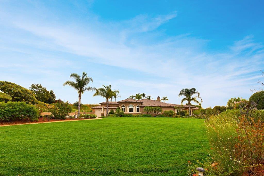 Santiago Estate Home mansions