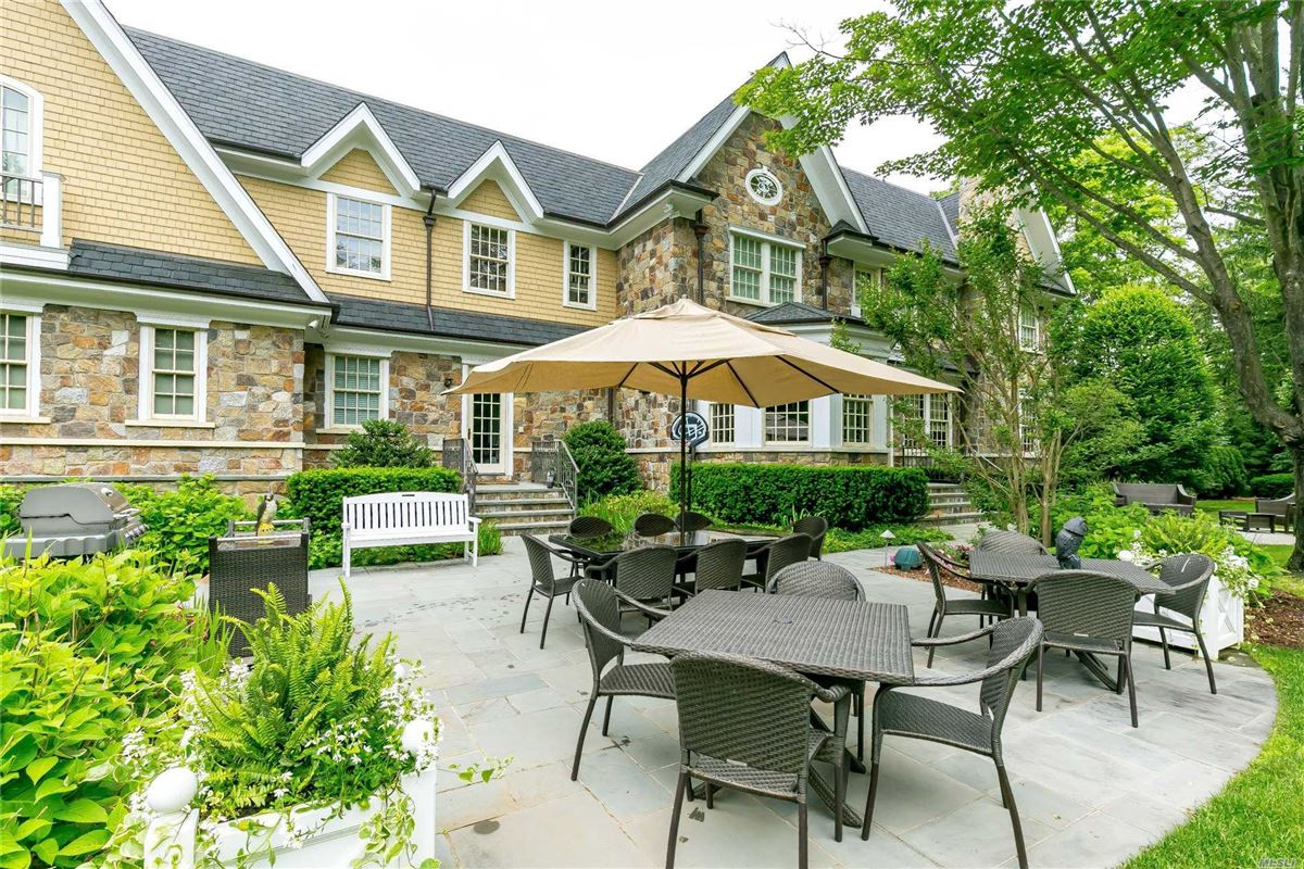 Luxury real estate immaculate home on two gated acres