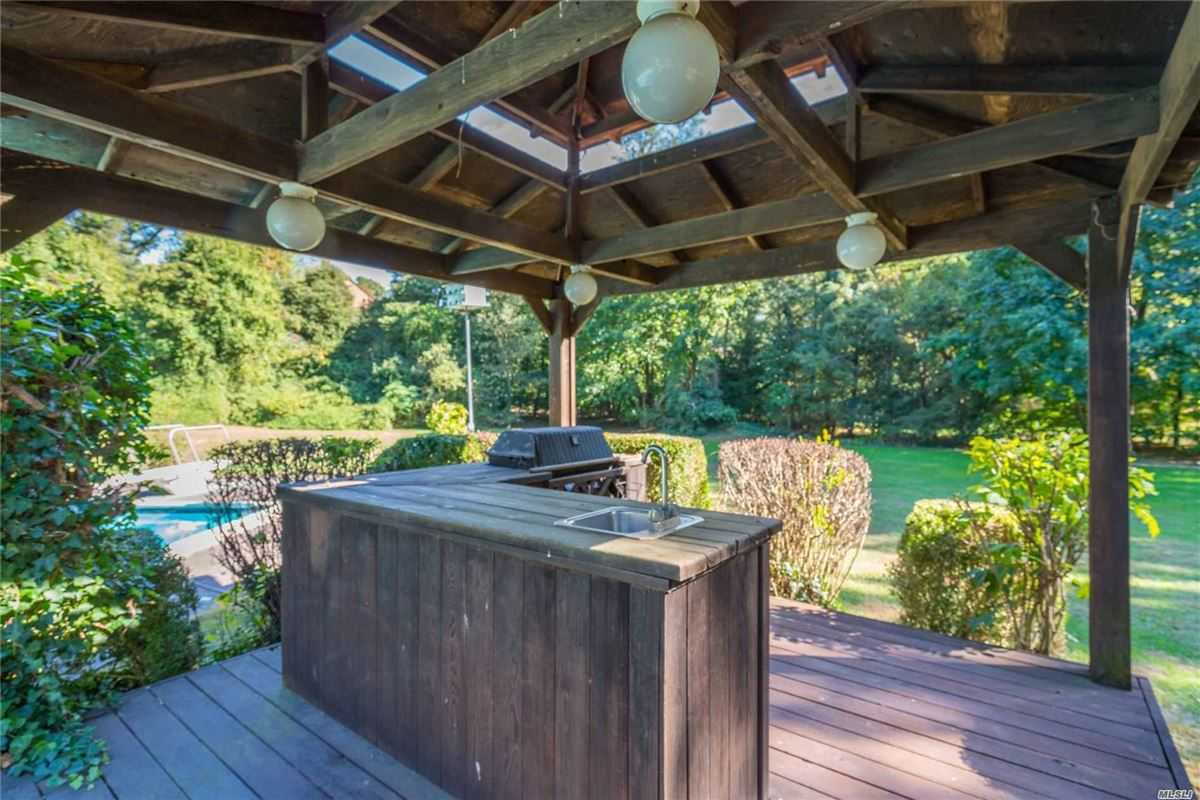 1979 contemporary on over two acres in Stone Arches  mansions