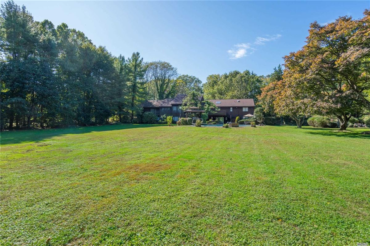 1979 contemporary on over two acres in Stone Arches  luxury real estate
