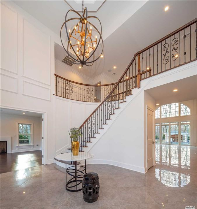 Luxury homes Newly constructed architecturalmasterpiece