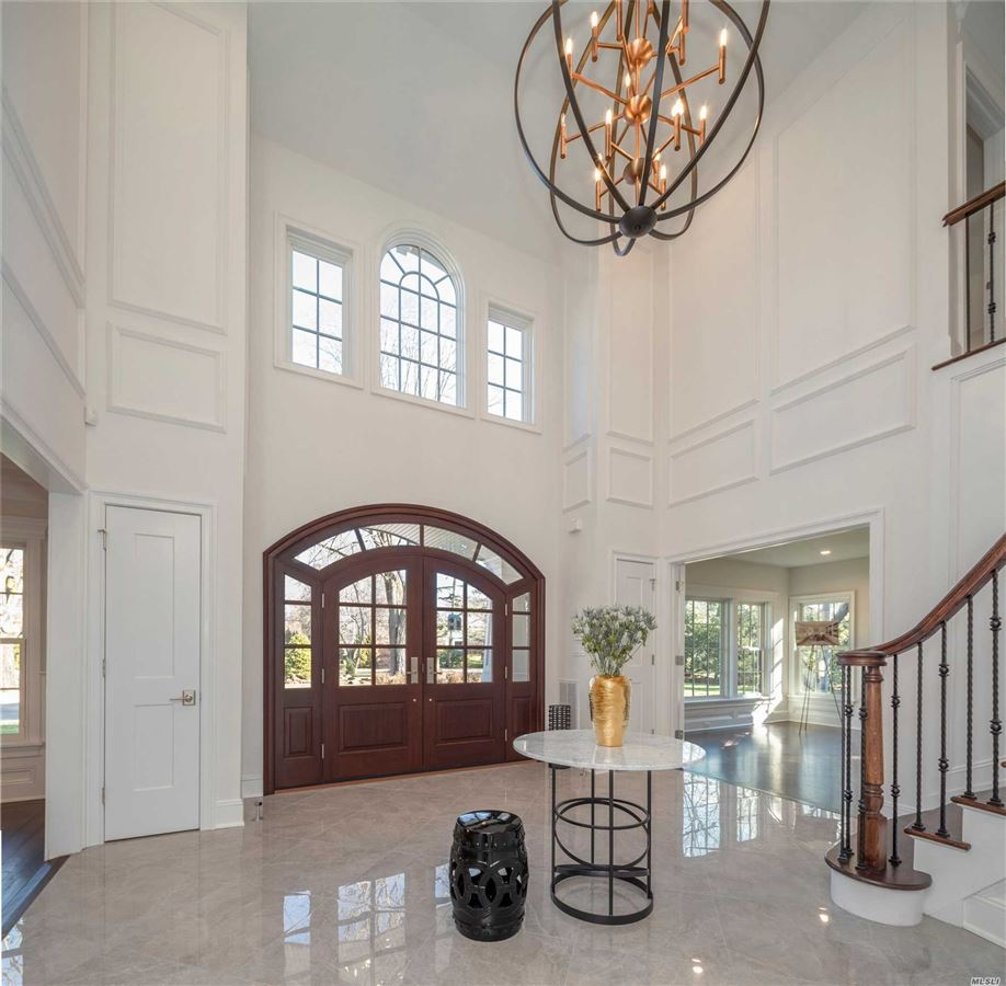 Luxury real estate Newly constructed architecturalmasterpiece