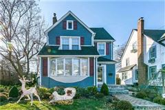 Mansions Mint Condition Colonial Home in Great Neck