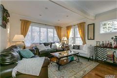 Mint Condition Colonial Home in Great Neck mansions