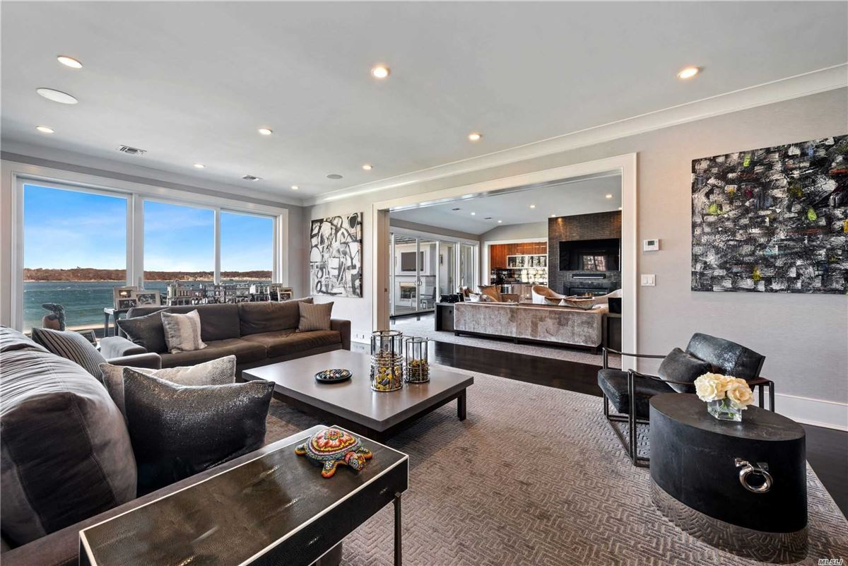 Luxury homes Newly rebuilt Hampton style waterfront home