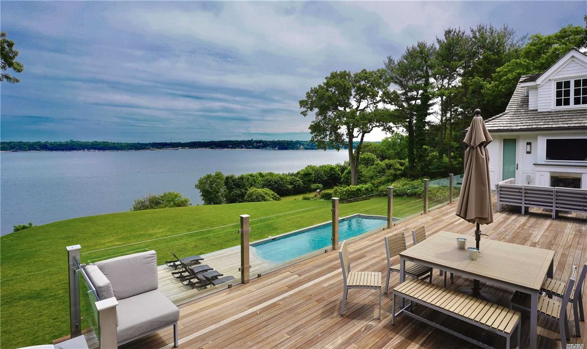 Mansions in Newly rebuilt Hampton style waterfront home