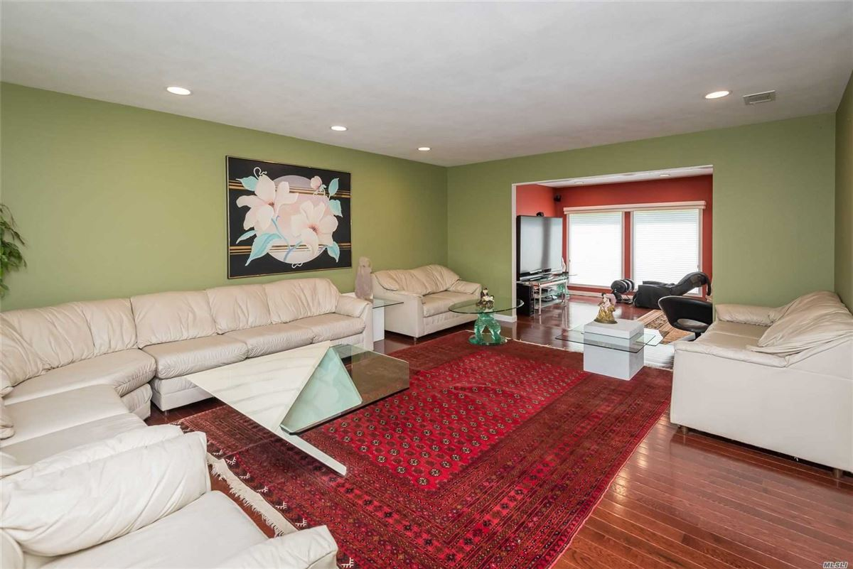 Fully renovated center hall colonial luxury homes