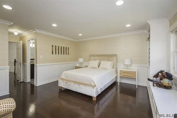 Luxury homes in Completely Redone House