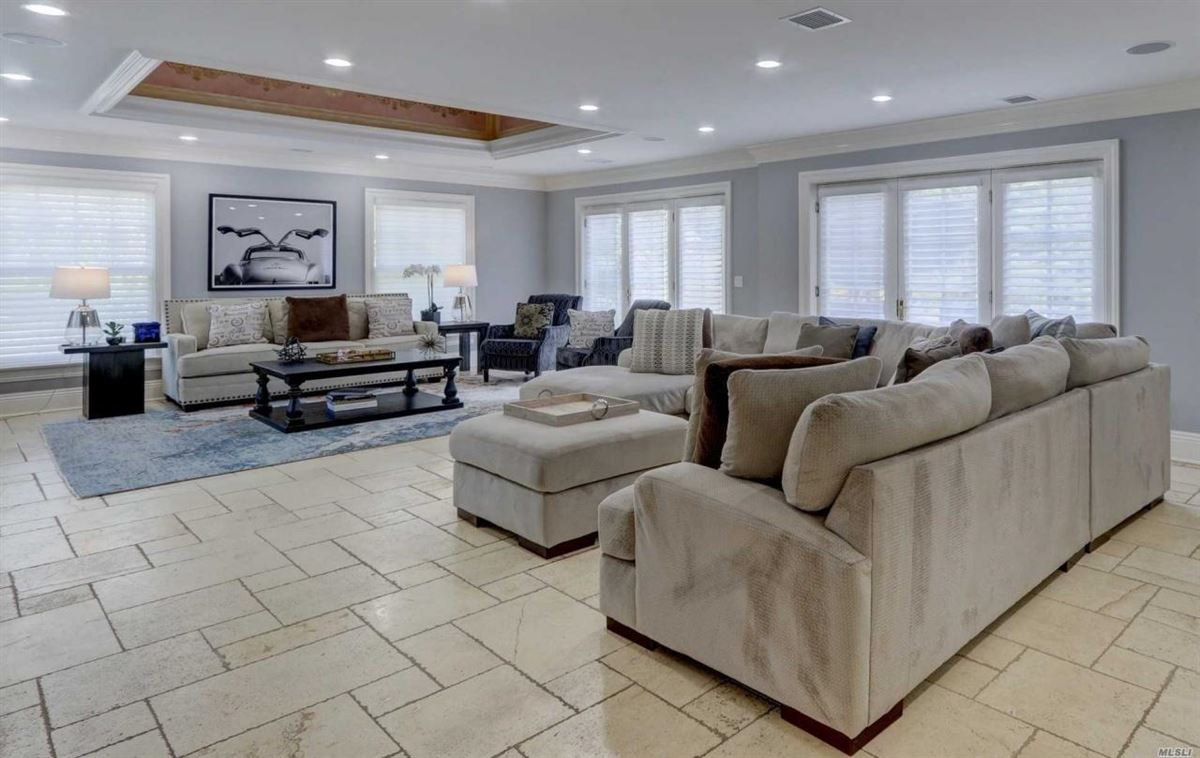 Luxury properties magnificent four-acre estate