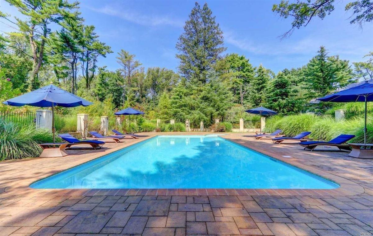 Luxury homes magnificent four-acre estate